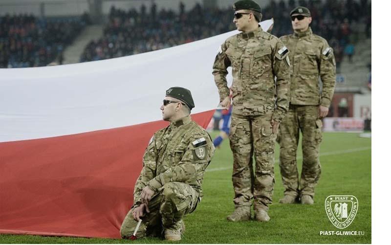 Polska kibolska i zbrojna!