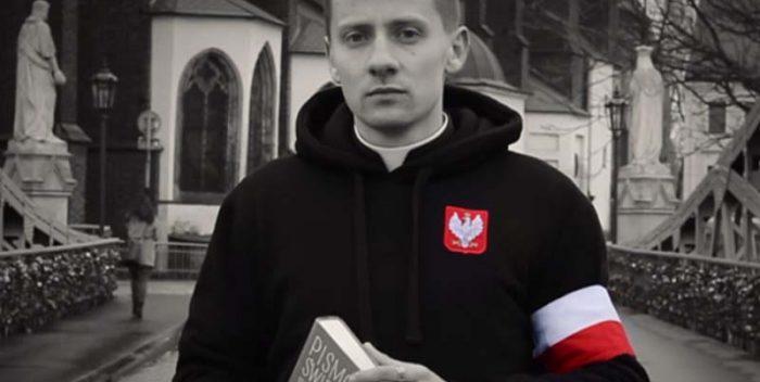 Jacek Międlar ksiądz szalikowiec!