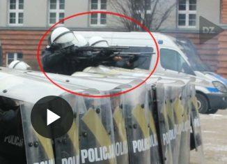 Śląska policja strzela do Kibiców!
